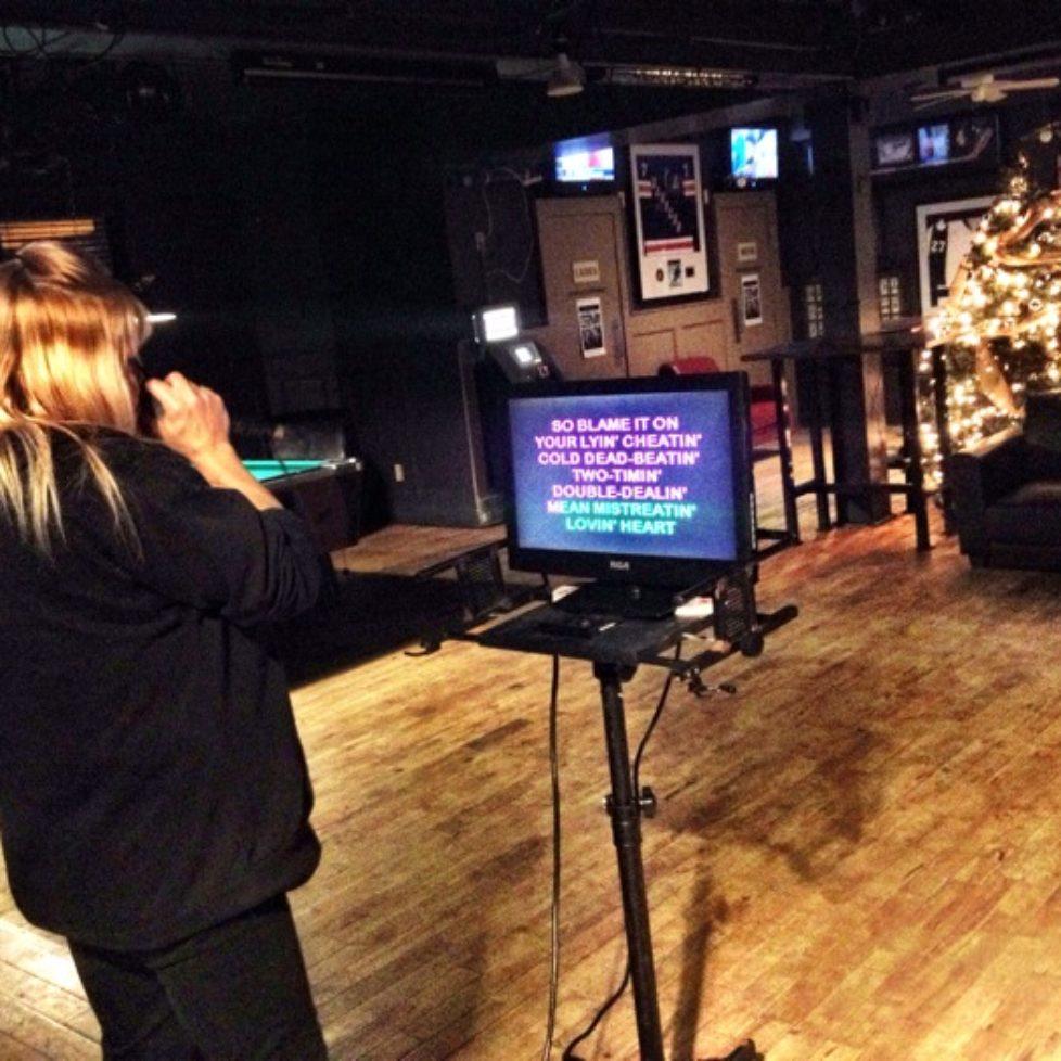 Karaoke at the Queens